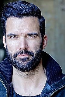 Benjamin Ayres Picture
