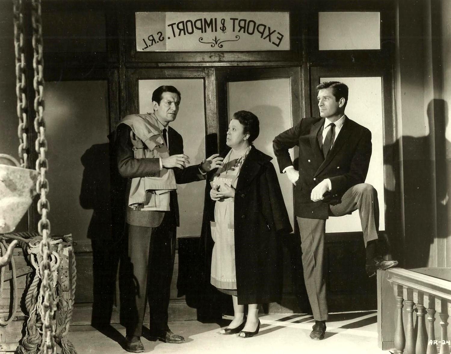Hugh O'Brian in Il segreto del vestito rosso (1965)