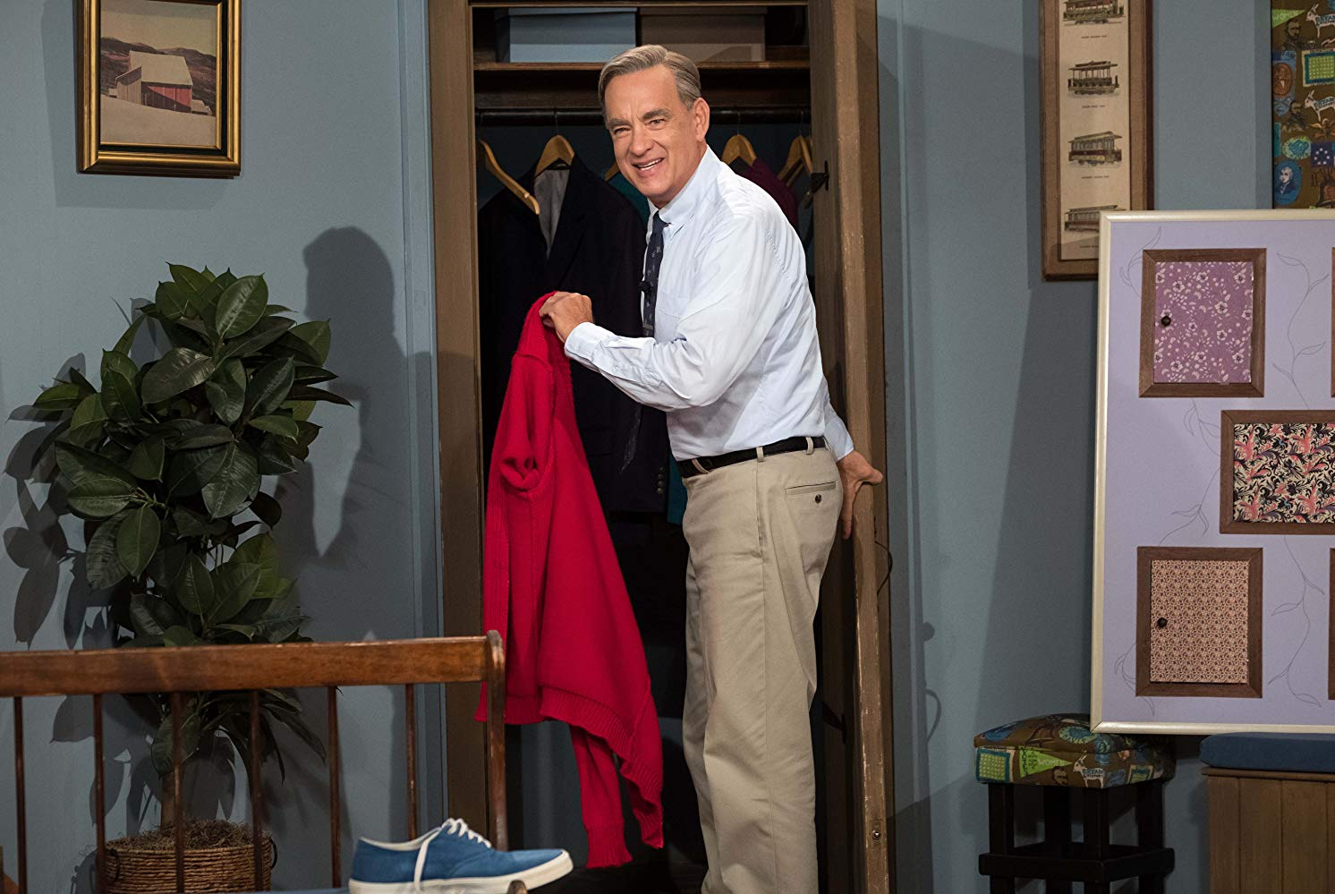 How Tom Hanks Was Cast As Mr Rogers For A Beautiful Day In The Neighborhood