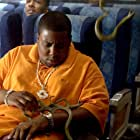 Flex Alexander and Kenan Thompson in Snakes on a Plane (2006)
