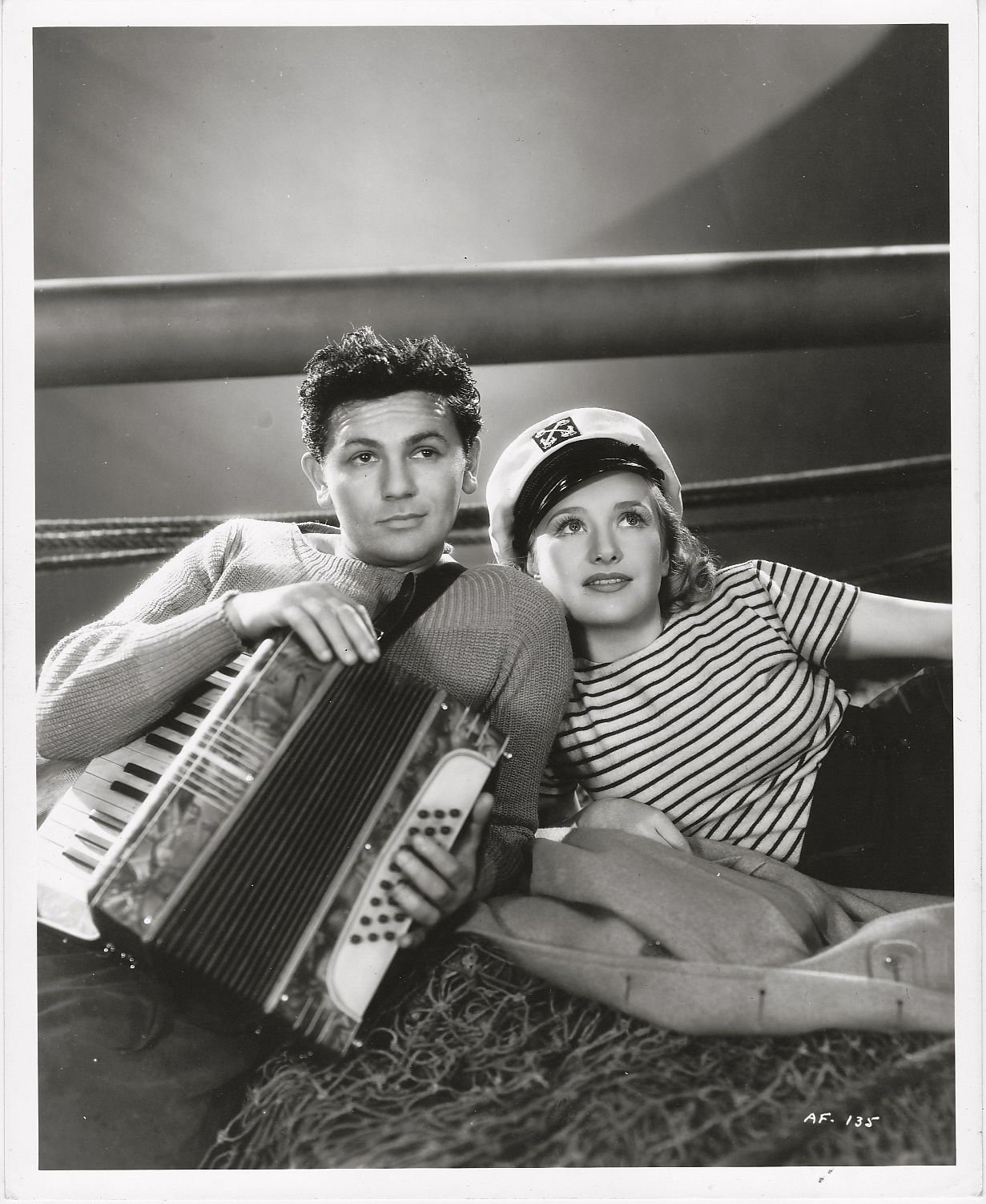 John Garfield and Priscilla Lane in Daughters Courageous (1939)