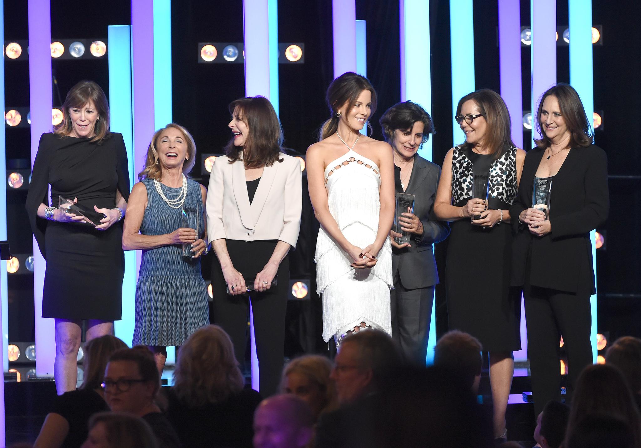Kate Beckinsale, Denise Di Novi, Lucy Fisher, Lianne Halfon, Lynda Obst, Jane Rosenthal, and Lauren Shuler Donner