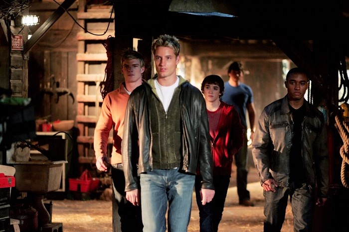 Lee Thompson Young, Kyle Gallner, Justin Hartley, and Alan Ritchson in Smallville (2001)