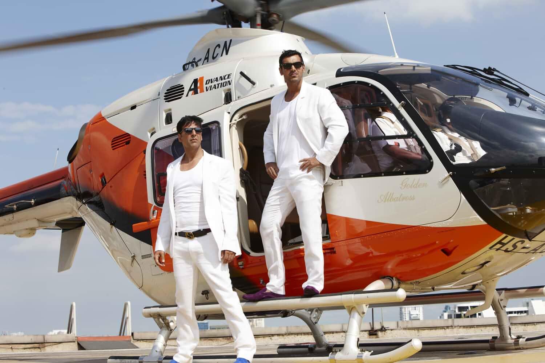 Download Desi Boyz (2011) Hindi Movie Bluray
