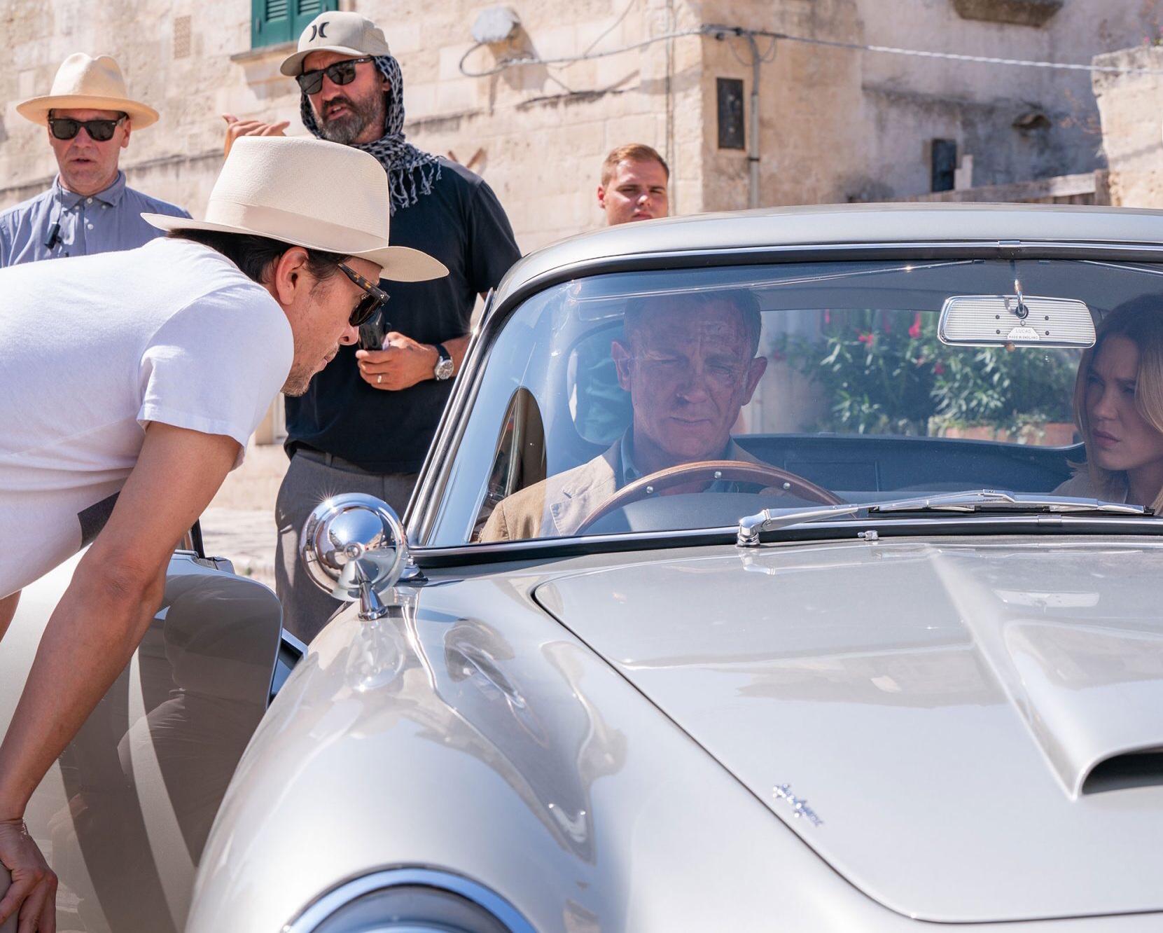 Daniel Craig, Cary Joji Fukunaga, and Léa Seydoux in No Time to Die (2021)