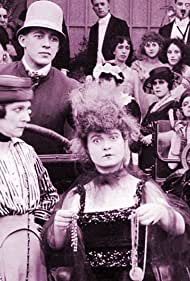 Rosa Gore, Alice Howell, and Dorothy Vernon in Untamed Ladies (1918)