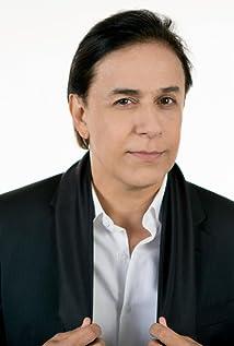 Tom Cavalcante Picture
