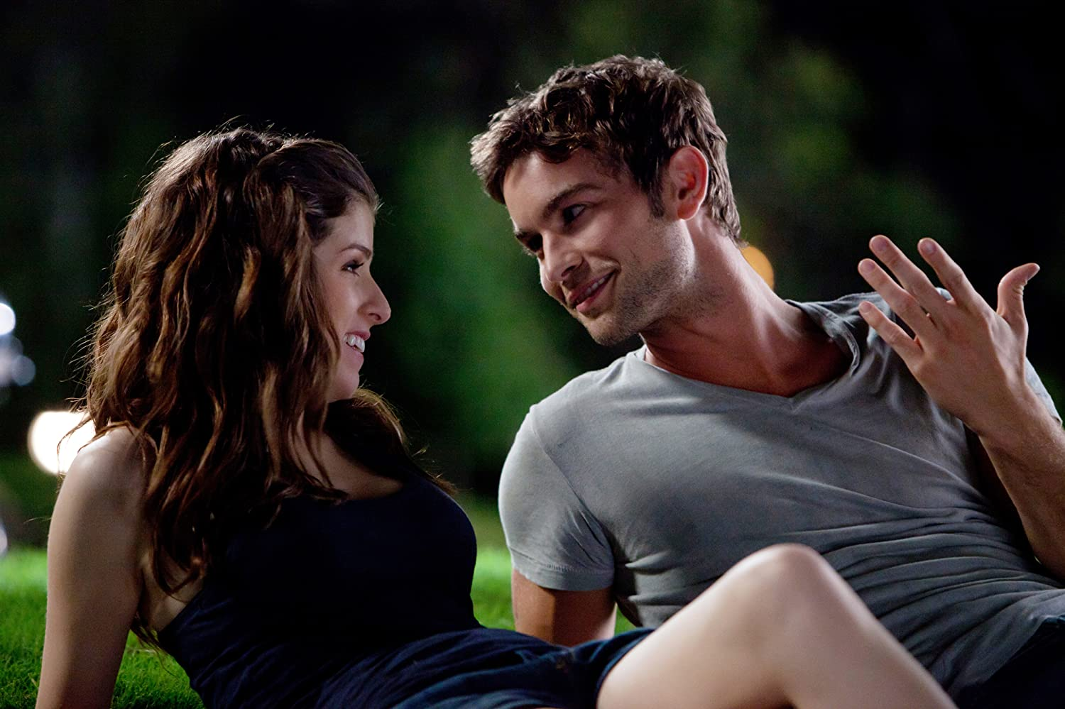 Anna Kendrick and Chace Crawford in What to Expect When You're Expecting (2012)