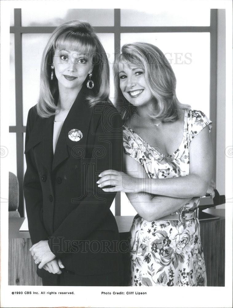 Teri Garr and Shelley Long in Good Advice (1993)