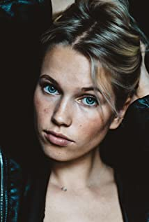 Thea Sofie Loch Næss Picture