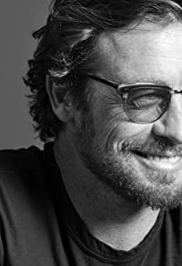 Primary photo for Simon Baker