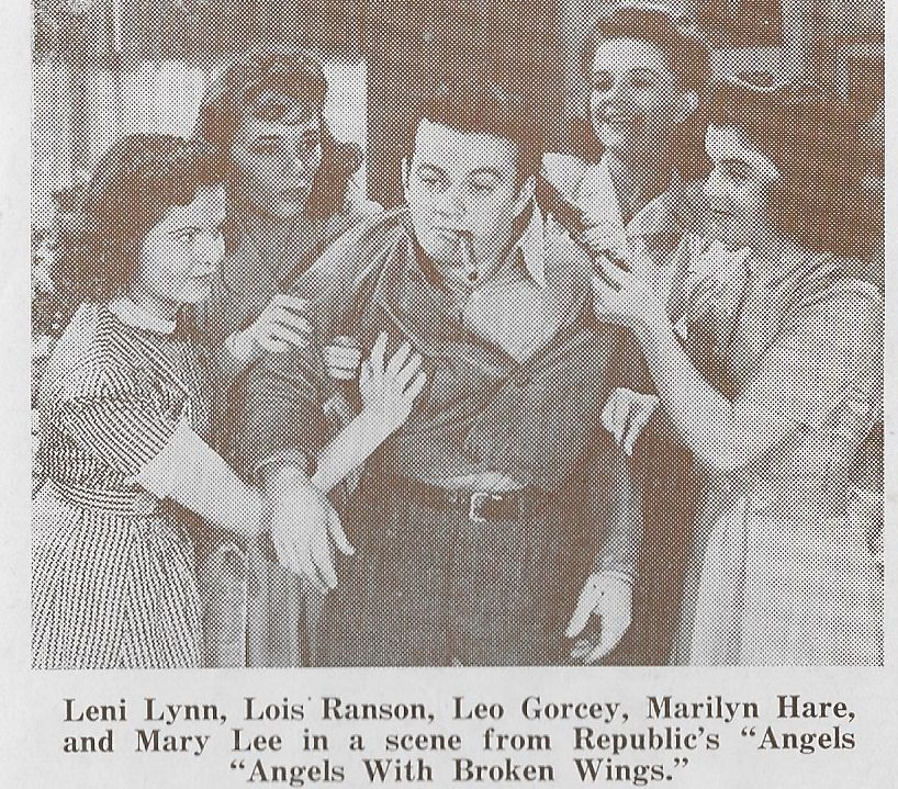 Leo Gorcey, Marilyn Hare, Mary Lee, Leni Lynn, and Lois Ranson in Angels with Broken Wings (1941)