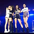 Jisoo Kim, Rosé, Jennie Kim, Lalisa Manoban, and Blackpink in Blackpink: The Movie (2021)