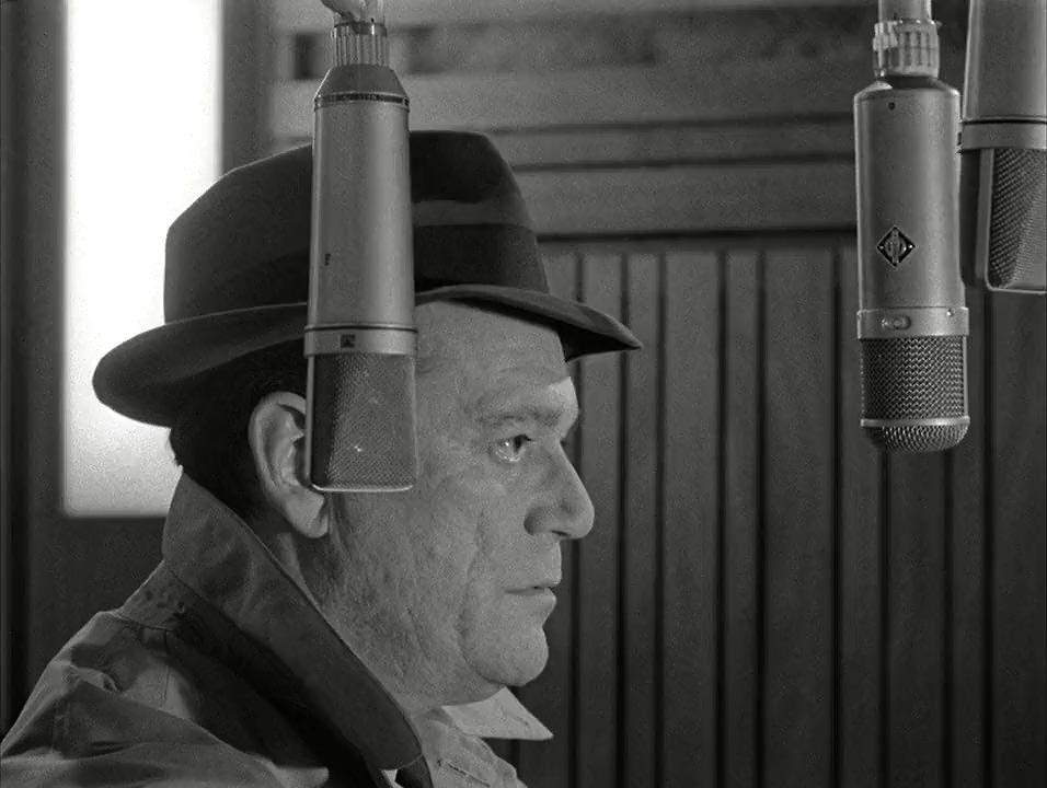 Eddie Constantine in Alphaville, une étrange aventure de Lemmy Caution (1965)