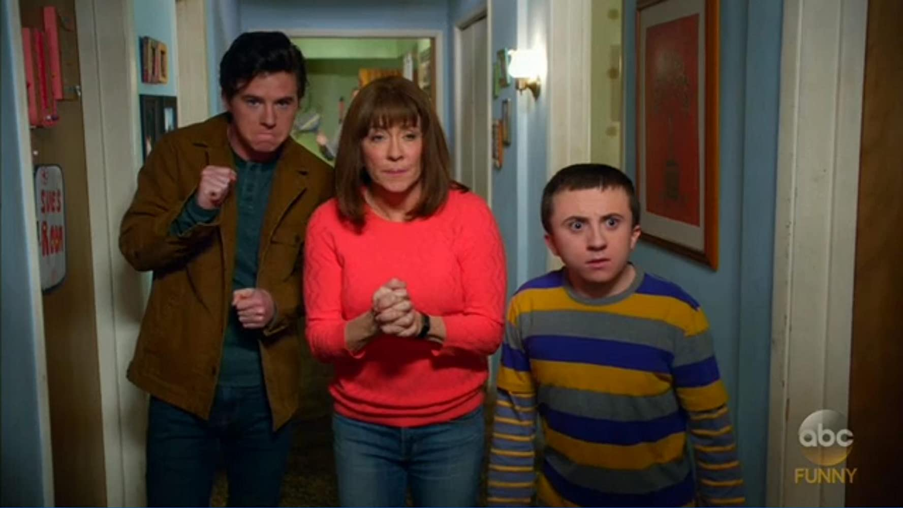 The Middle (Una Familia Modelo) 9×19 – Bat fuera de diablos