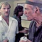 Ernest Borgnine and Lee Van Cleef in Geheimcode Wildgänse (1984)