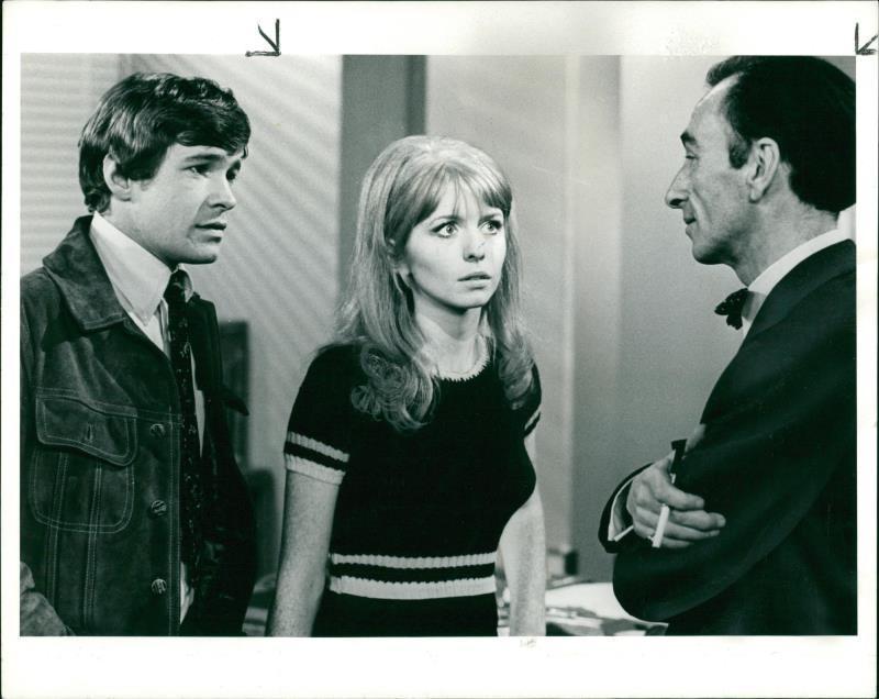 Jane Asher, David Kelly, and Richard Warwick in Half Hour Story (1967)