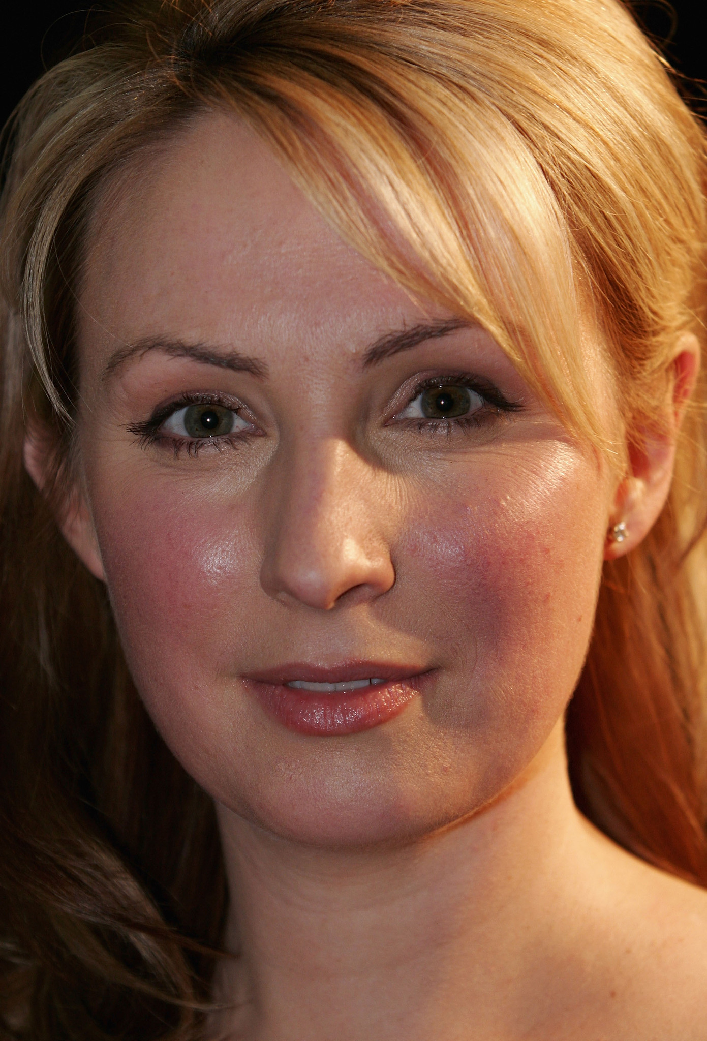 Lisa McCune Lisa McCune new pictures