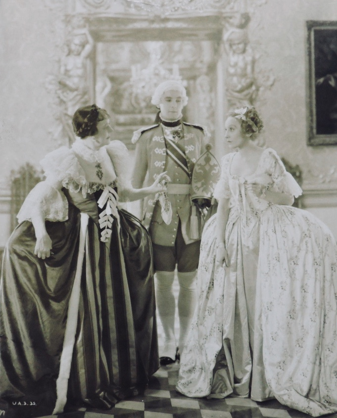 Elisabeth Bergner and Irene Vanbrugh in The Rise of Catherine the Great (1934)