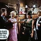 Rex Gildo, Gitte Hænning, Mara Lane, and Gunther Philipp in Jetzt dreht die Welt sich nur um dich (1964)