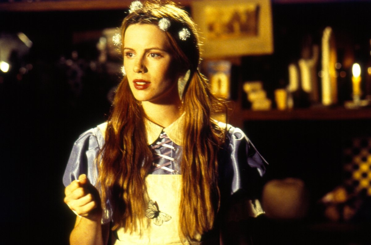 Kate Beckinsale in Alice Through the Looking Glass (1998)