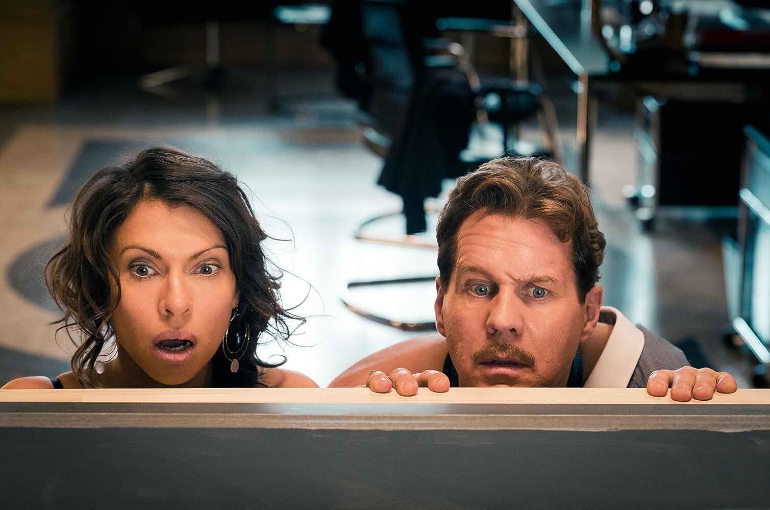 Thomas Heinze and Jana Pallaske in Vier gegen die Bank (2016)