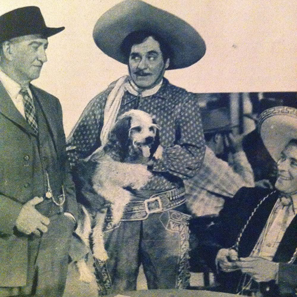 Leo Carrillo, John Litel, Duncan Renaldo, and Daisy in The Valiant Hombre (1948)