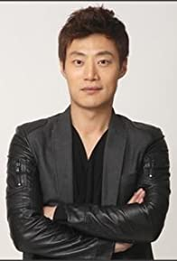 Primary photo for Hee-joon Lee