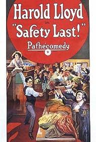 Mildred Davis, Helen Gilmore, and Harold Lloyd in Safety Last! (1923)