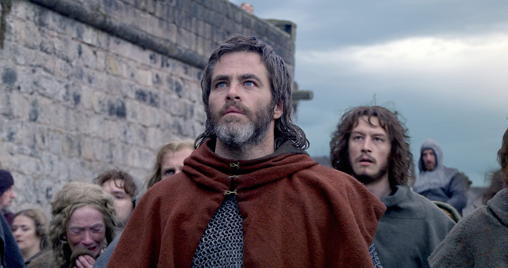 Chris Pine and Lorne MacFadyen in Outlaw King (2018)