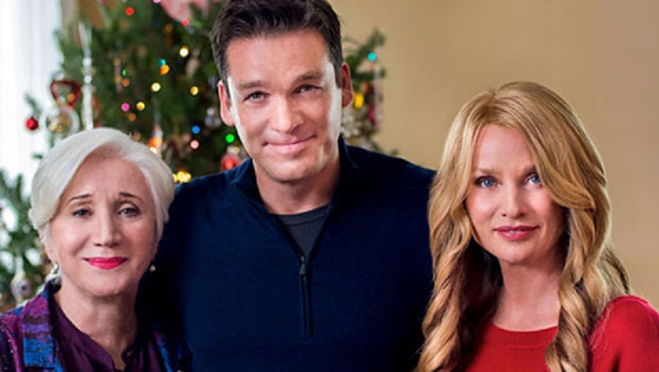 Olympia Dukakis, Nicollette Sheridan, and Bart Johnson in The Christmas Spirit (2013)