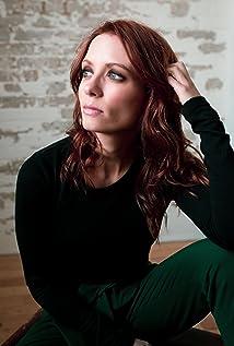 Lara Jean Chorostecki Picture