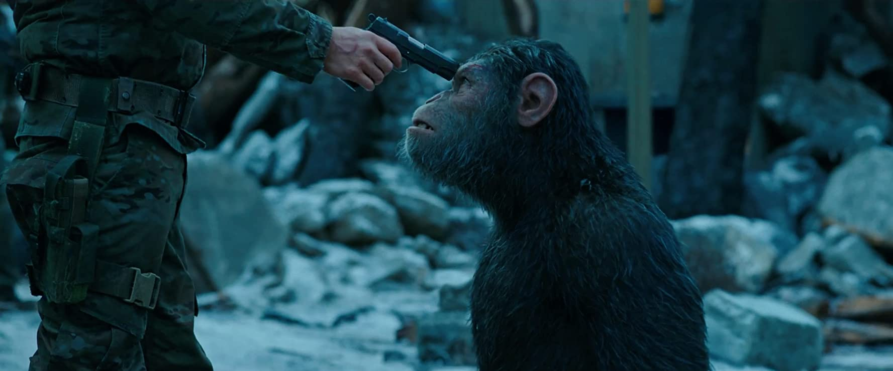 Woody Harrelson and Andy Serkis in War for the Planet of the Apes (2017)