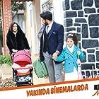 Ecem Özkaya, Emre Kivilcim, and Dilan Yagiz in Kim Daha Mutlu? (2019)