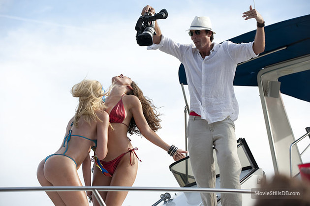 Jerry O'Connell, Kelly Brook, and Riley Steele in Piranha 3D (2010)