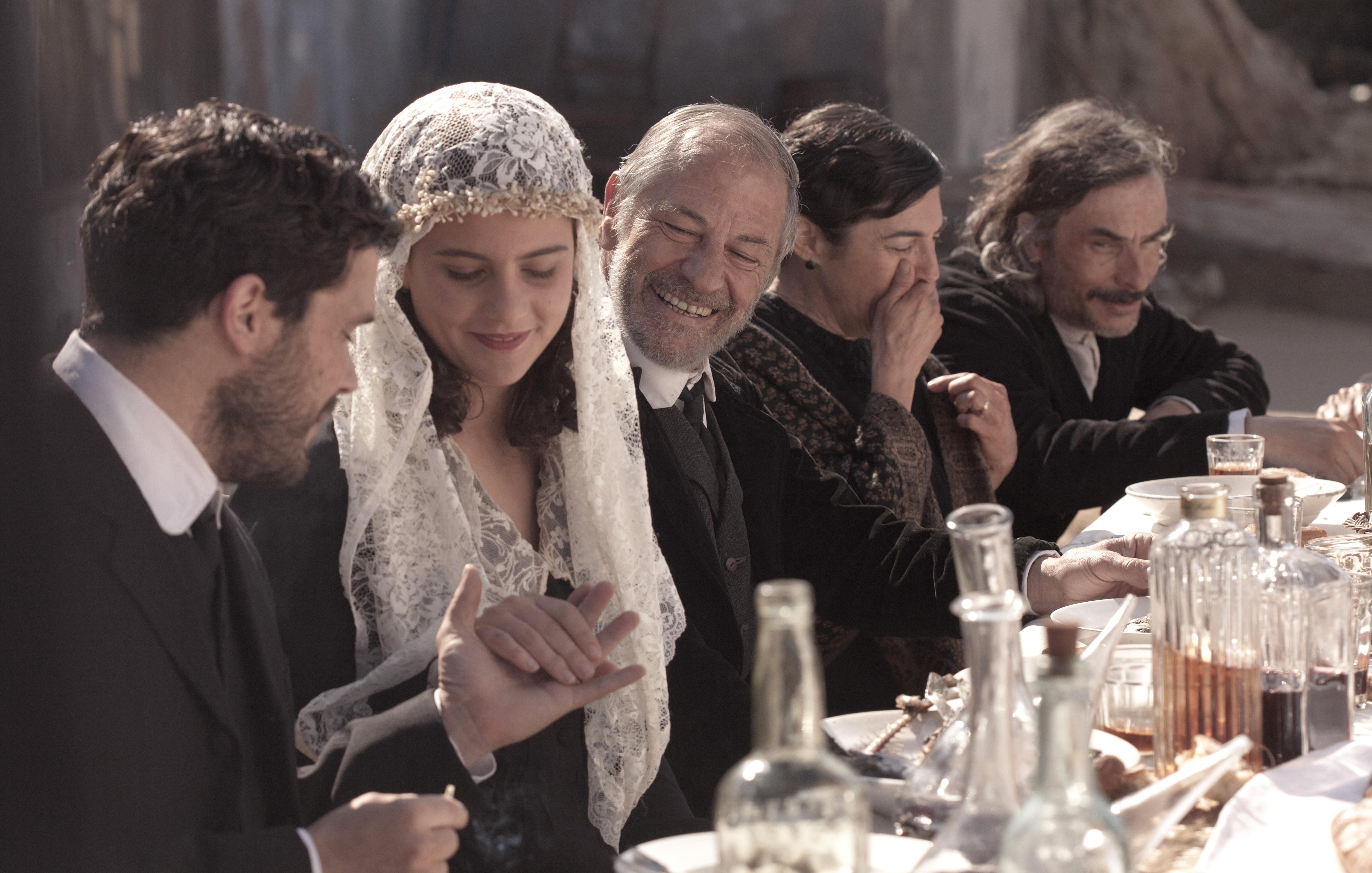 Rosa Vila, Oriol Vila, Miquel Gelabert, Jacob Torres, and Marina Comas in El cafè de la Marina (2014)