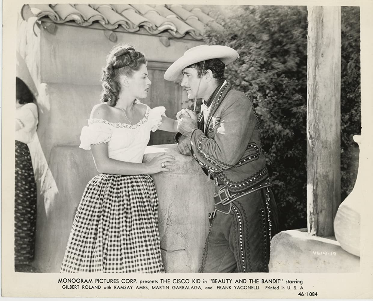Ramsay Ames and Gilbert Roland in Beauty and the Bandit (1946)