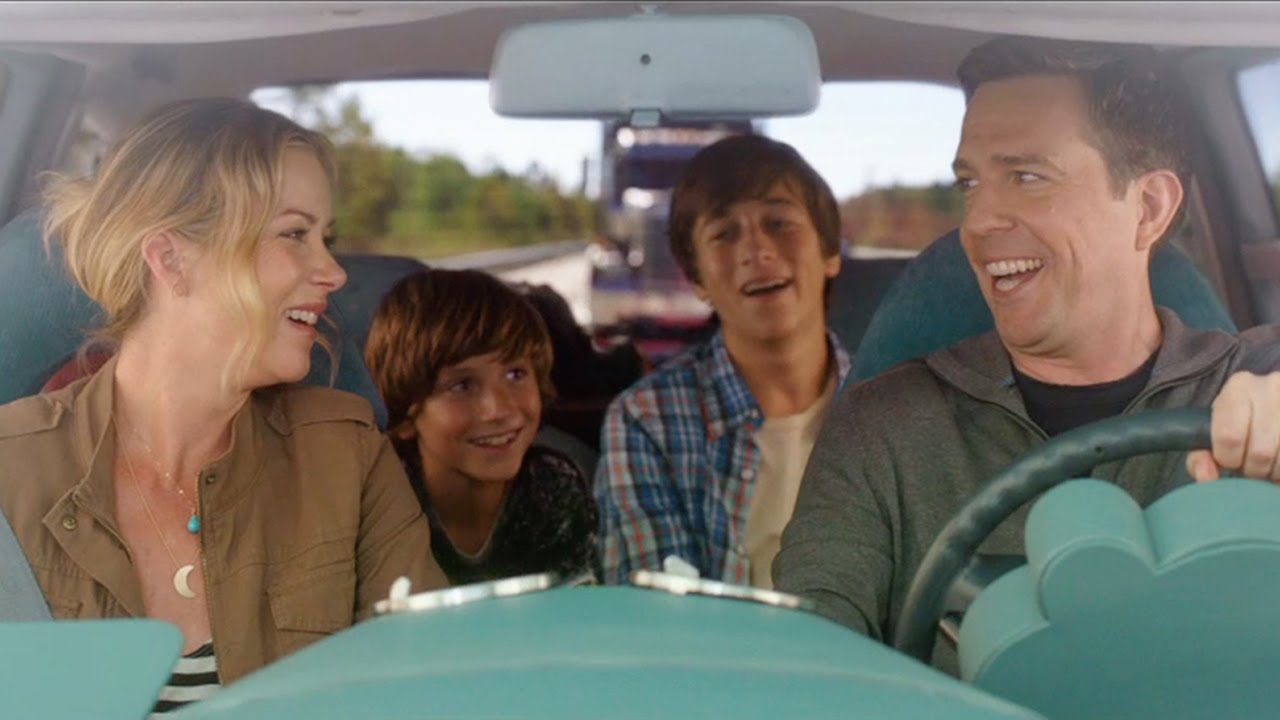 Christina Applegate, Ed Helms, Skyler Gisondo, and Steele Stebbins in Vacation (2015)