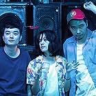 Tasuku Emoto, Shôta Sometani, and Shizuka Ishibashi in Kimi no tori wa utaeru (2018)
