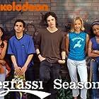 Jake Epstein, Andrea Lewis, Shane Kippel, Miriam McDonald, Cassie Steele, and Adamo Ruggiero in Degrassi: The Next Generation (2001)