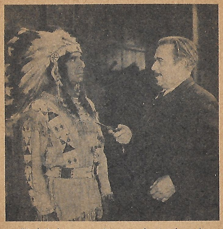Noah Beery and Robert Warwick in Fighting with Kit Carson (1933)