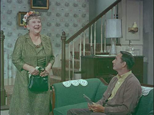 Joey Bishop and Madge Blake in The Joey Bishop Show (1961)