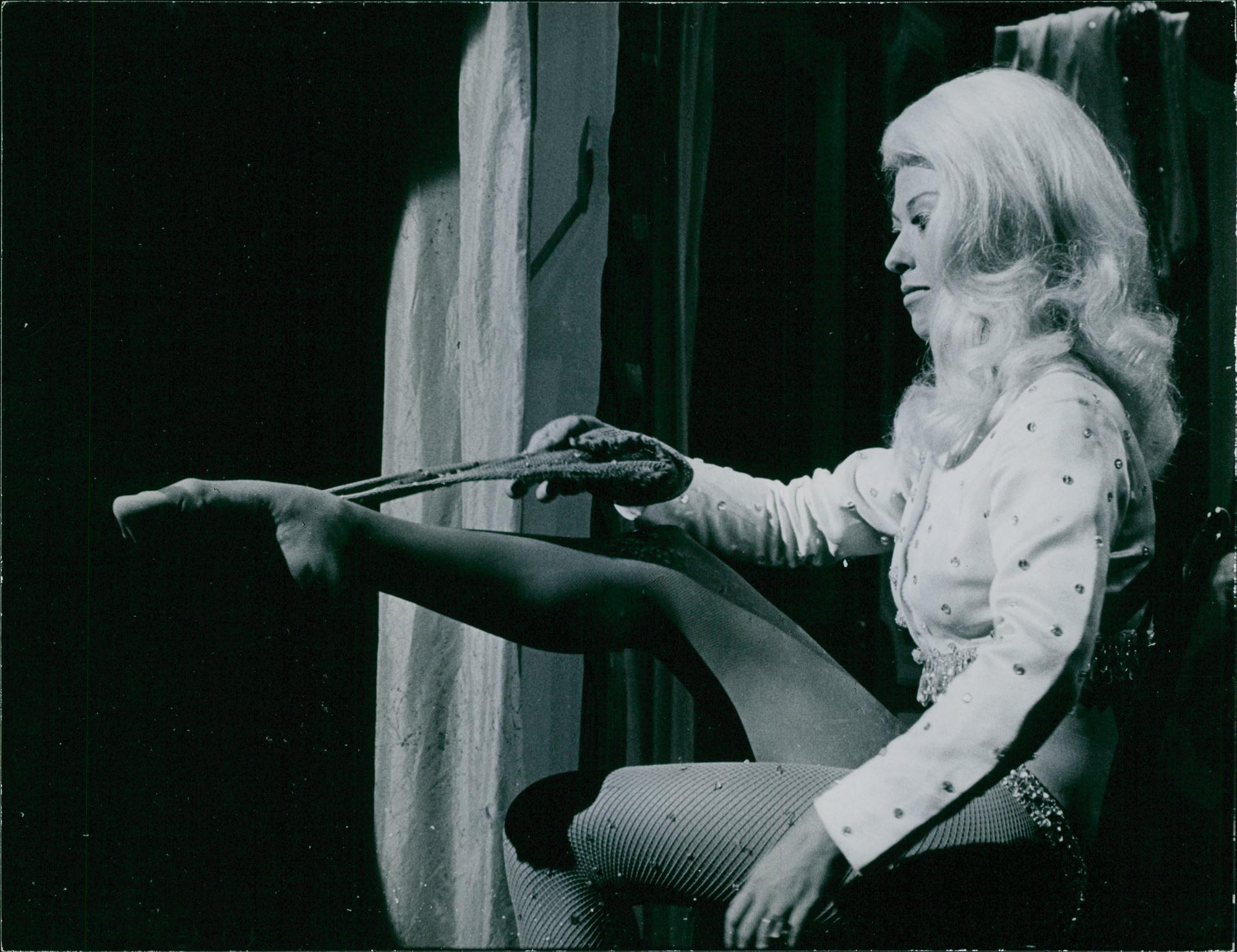 Rita Moreno in Marlowe (1969)