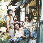 Kirin Kiki, Lily Franky, Sakura Andô, Mayu Matsuoka, Miyu Sasaki, Jyo Kairi, and Mehdi Taleghani in Manbiki kazoku (2018)