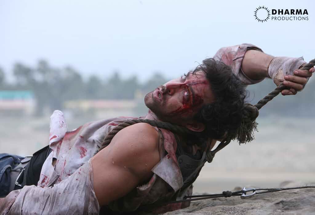 Download Agneepath (2012) Hindi Movie Bluray