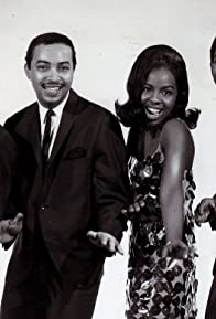 Primary photo for Gladys Knight & The Pips