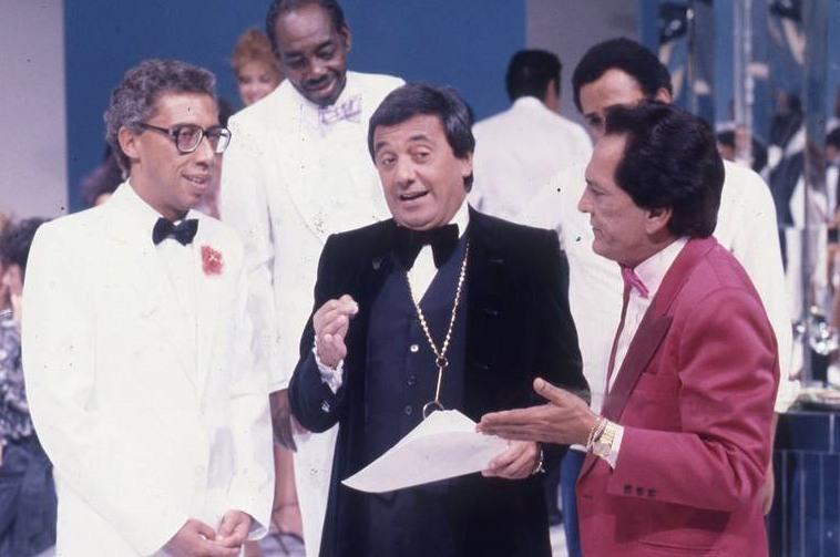Tião Macalé, Lúcio Mauro, Agildo Ribeiro, and Paulo Silvino in A Festa É Nossa (1983)