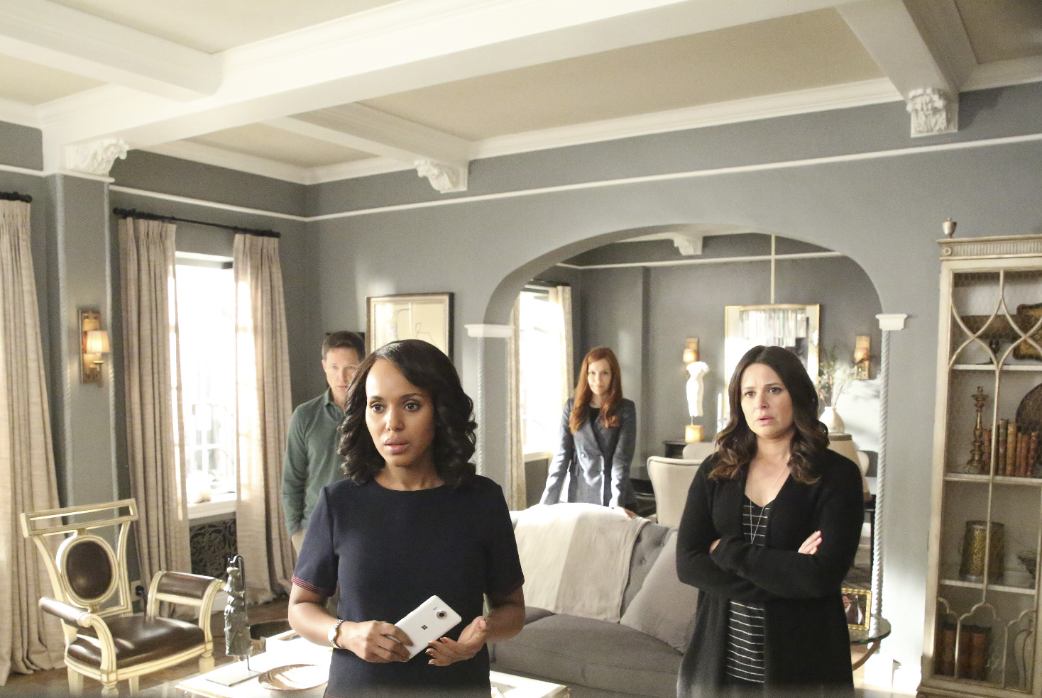 George Newbern, Kerry Washington, Darby Stanchfield, and Katie Lowes in Scandal (2012)