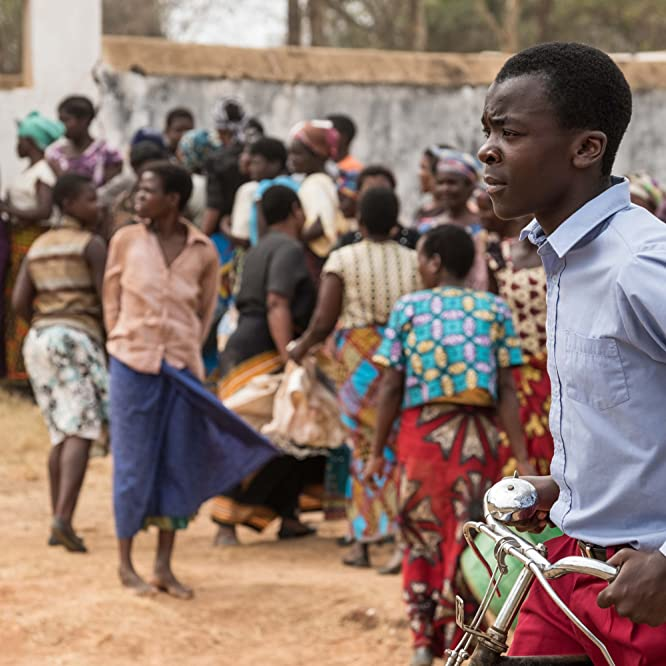Maxwell Simba in The Boy Who Harnessed the Wind (2019)