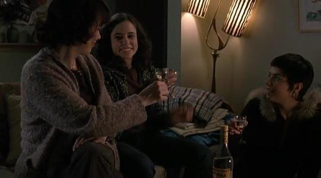 Anne Dorval, Clara Furey, and Janaina Suaudeau in Serveuses demandées (2008)